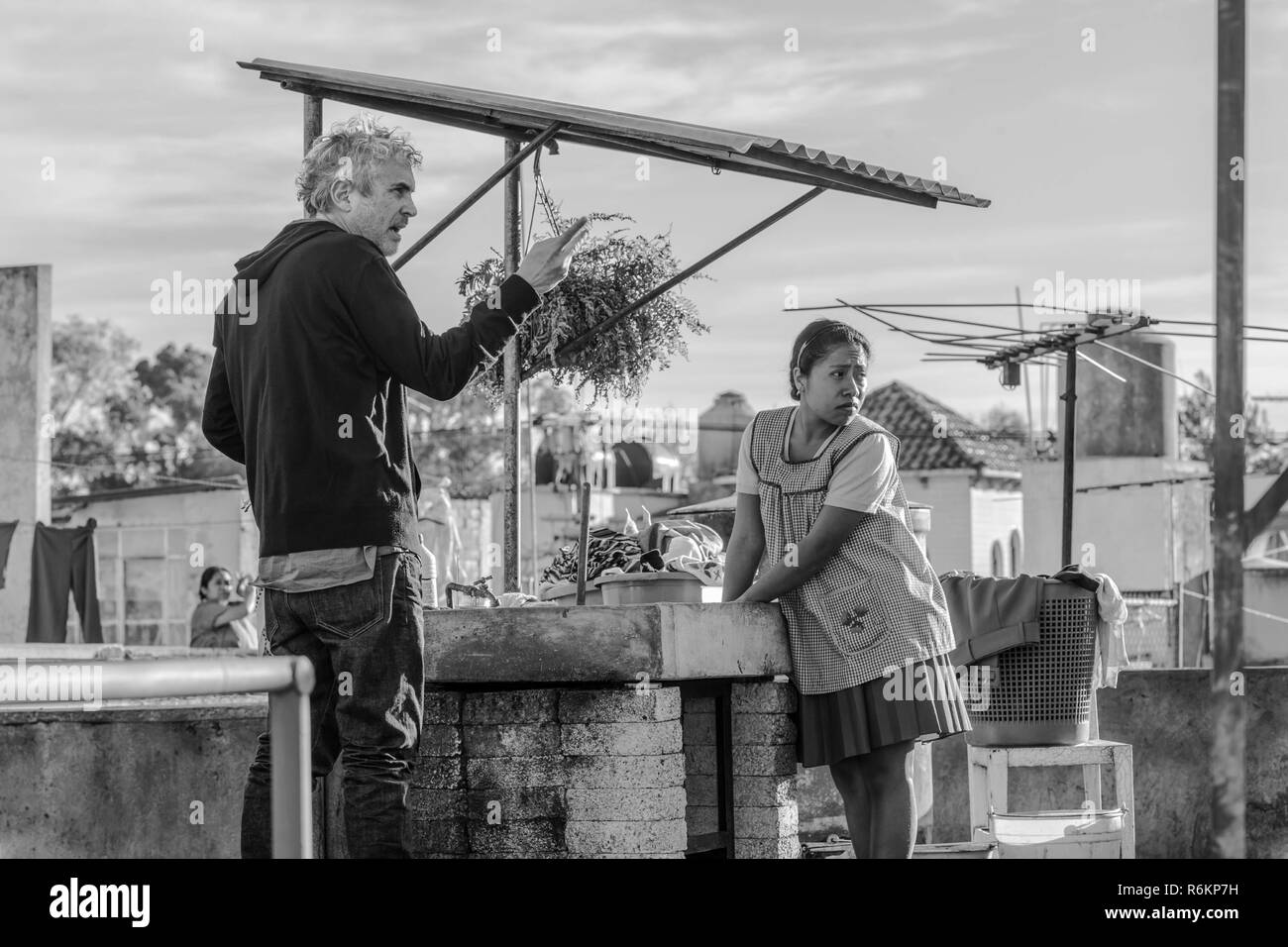 Alfonso Cuarón and Yalitza Aparicio in Roma (2018)  Photo Credit: Netflix / The Hollywood Archive - Stock Image