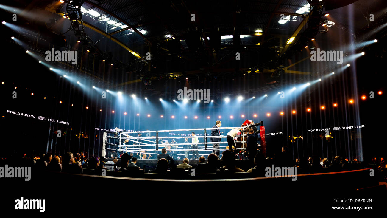 Chicago, IL, United States - November 10, 2018: View of the boxing ring during the quarter finals of the World Boxing Super Series. - Stock Image