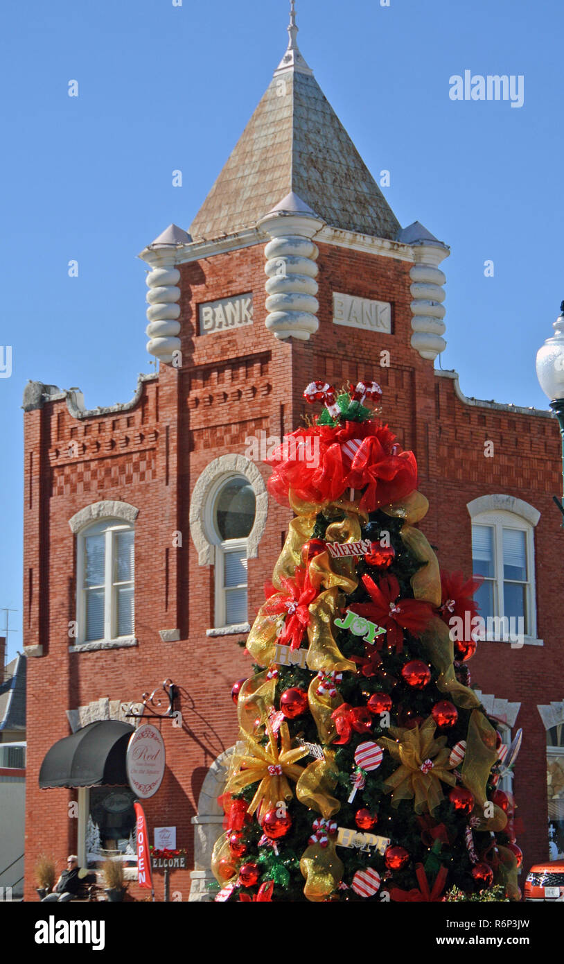 old bank and granbury texas christmas tree Stock Photo