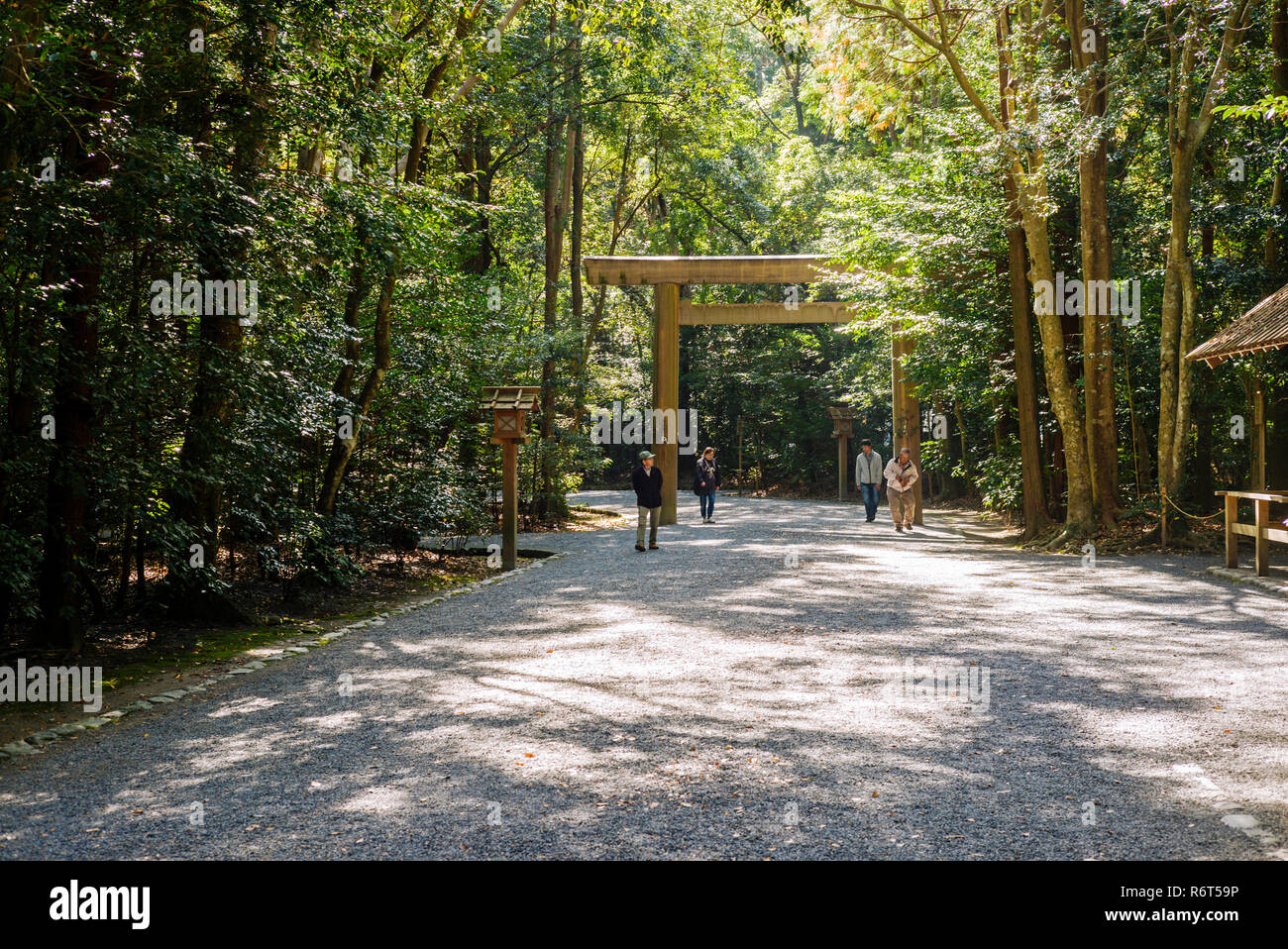 Ise Grand Shrine, Mie Prefecture, Japan: Entering the Outer Shrine (Geku) - Stock Image