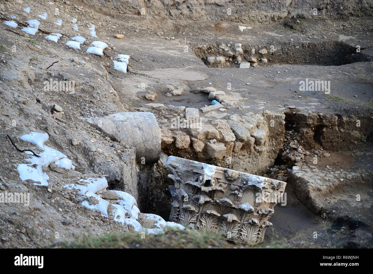 Archaeology class visiting ruins of Ancient and Biblical City of Ashkelon in Israel, Holy Land - Stock Image