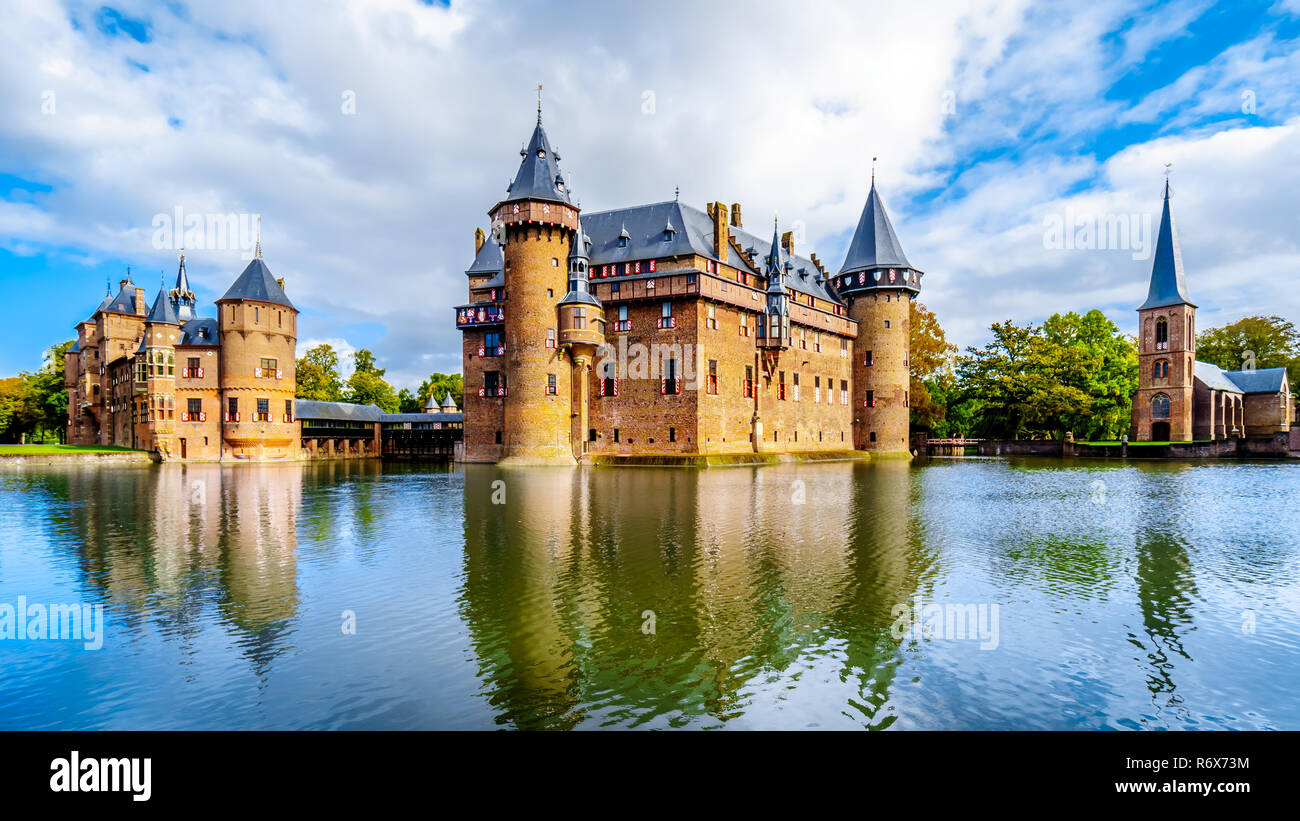Magnificent Castle De Haar In The Netherlands Is Surrounded By A