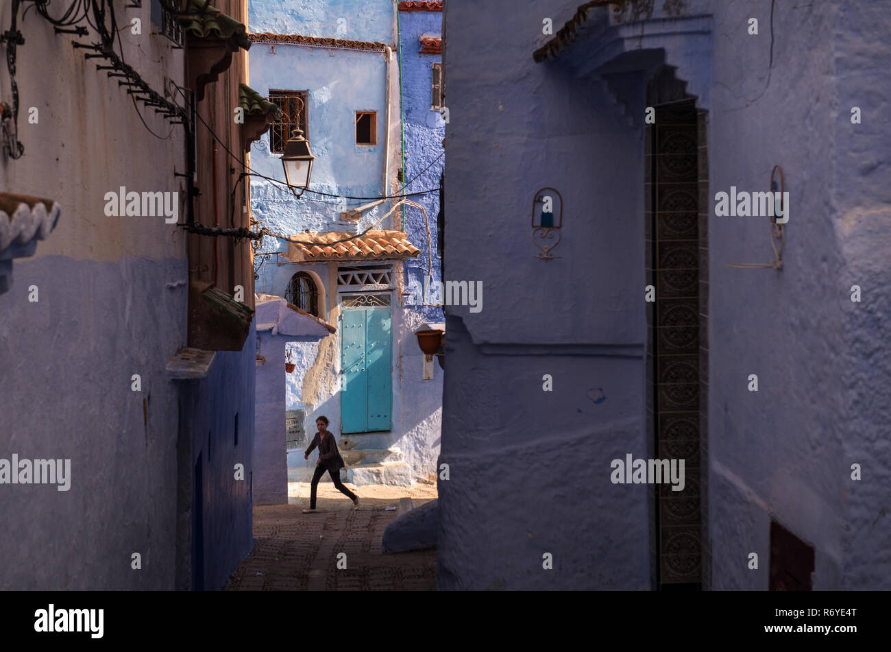 Blue painted and whitewashed streets characterize Chouen in the Rif Mountains, Morocco Stock Photo