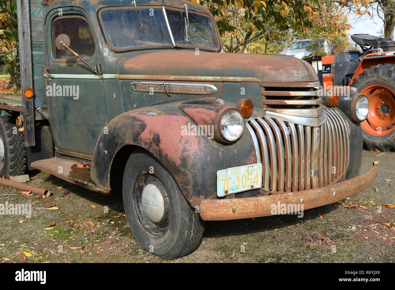 General Motors vintage pickup truck in Oregon - Stock Image