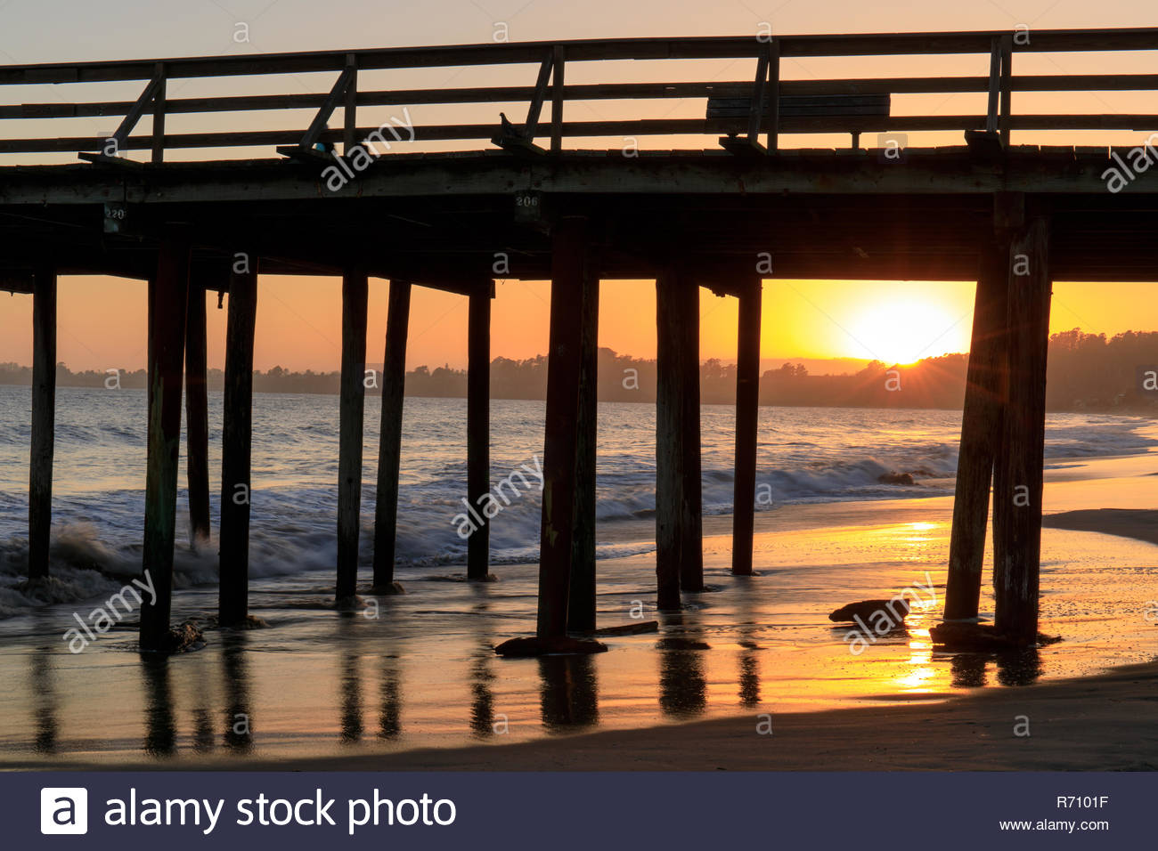 Sunset over Seacliff State Beach - Stock Image