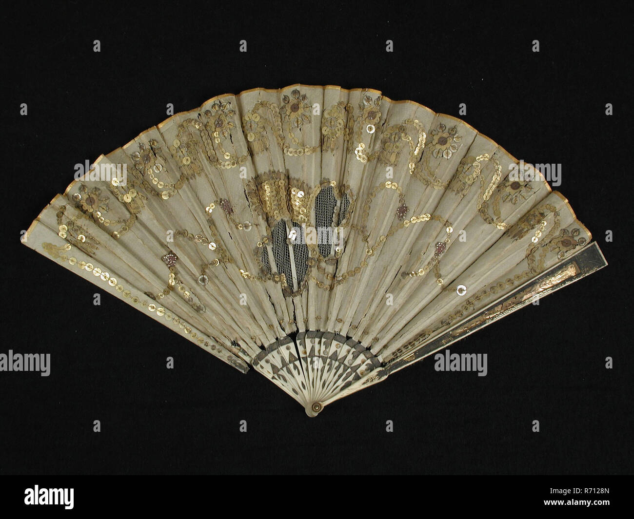 aa75061d76 Folding fan with bone frame with foil, fan blade of cream-colored silk with