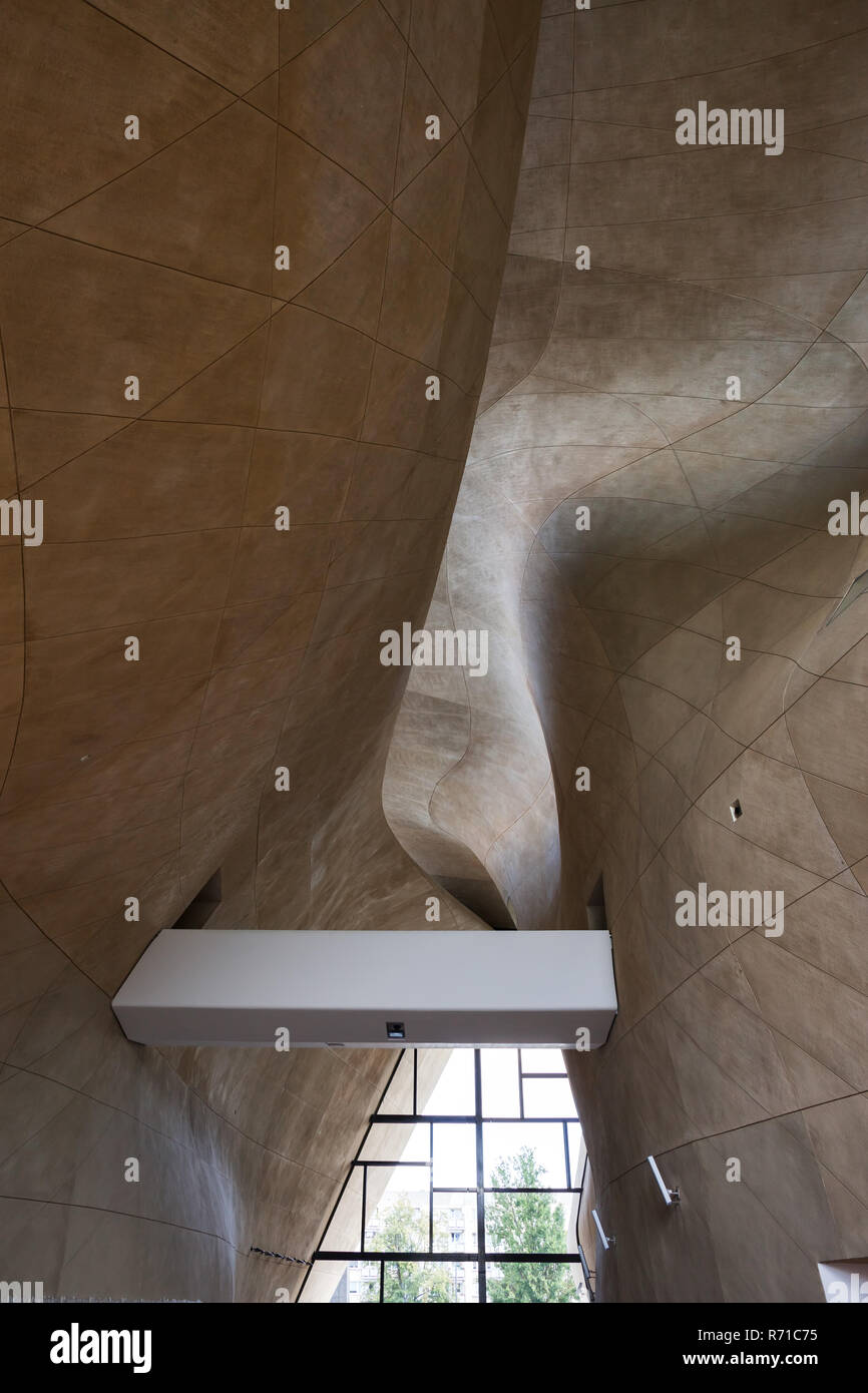Poland, Warsaw, contemporary, modern interior architecture of the POLIN Museum of the History of Polish Jews - Stock Image