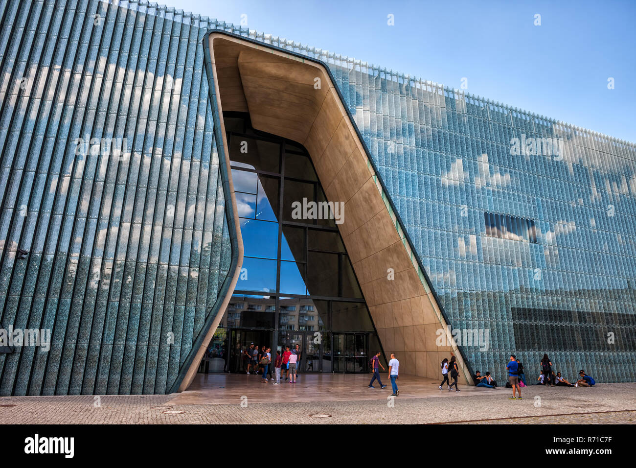 Poland, Warsaw, contemporary glass facade, modern architecture of the POLIN Museum of the History of Polish Jews - Stock Image