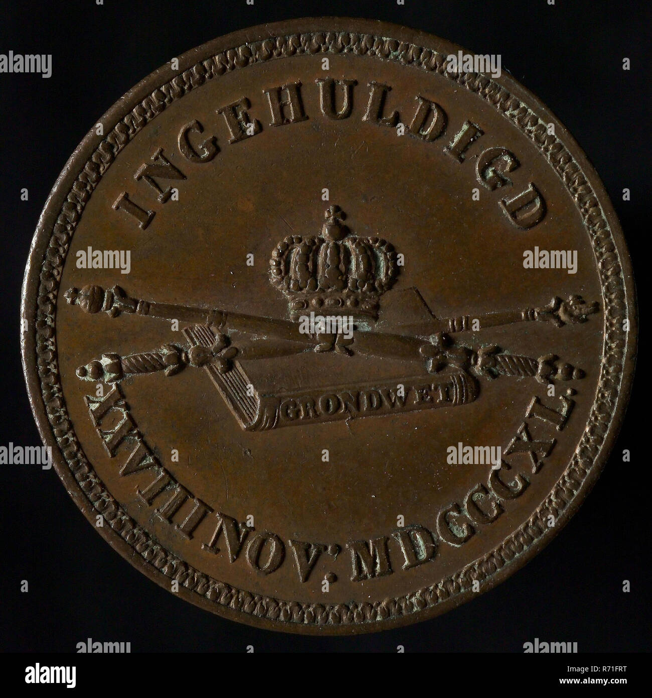 Medal on the Inauguration of King Willem II in Amsterdam, medallions bronze bronze 2,3, text only, WILLEM II KING OF THE NETHERLANDS (in the field) Willem II royal house Oranjehuis Oranje Stock Photo