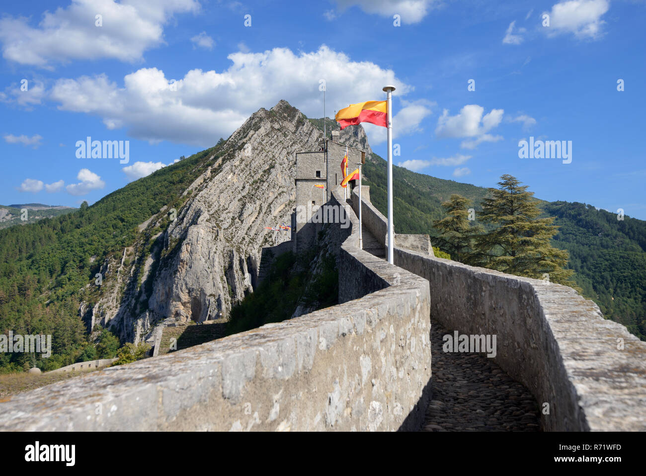 Upper Rampart & Elevated Protected Walkway of the Medieval Citadel, Fort, Fortress or Castle Sisteron Alpes-de-Haute-Provence Provence France - Stock Image