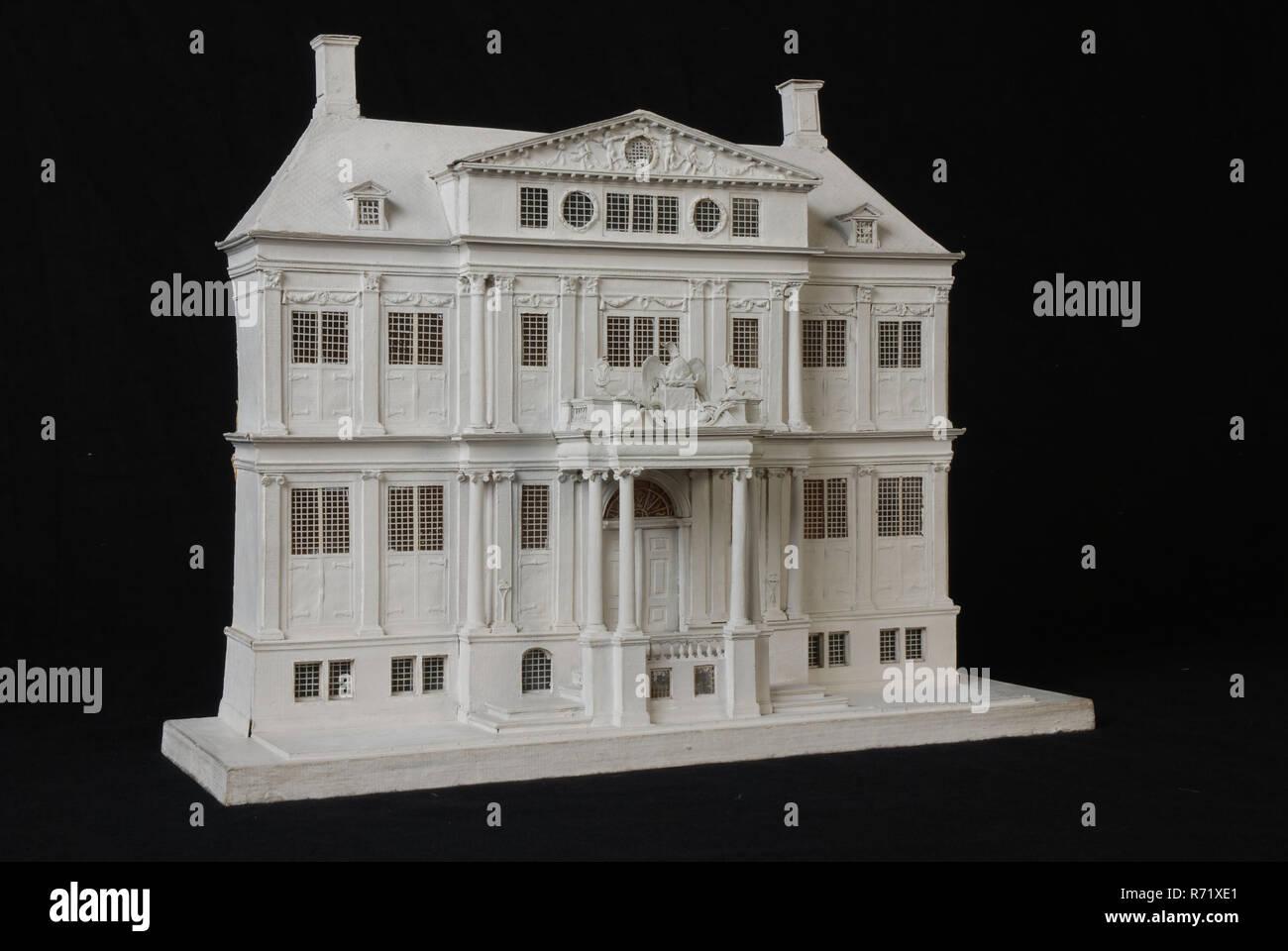 Model of frontage Schielandshuis on wooden base plate, building model model cardboard paint wood, base plate) Schielandshuis Rotterdam City Center Stadsdriehoek - Stock Image