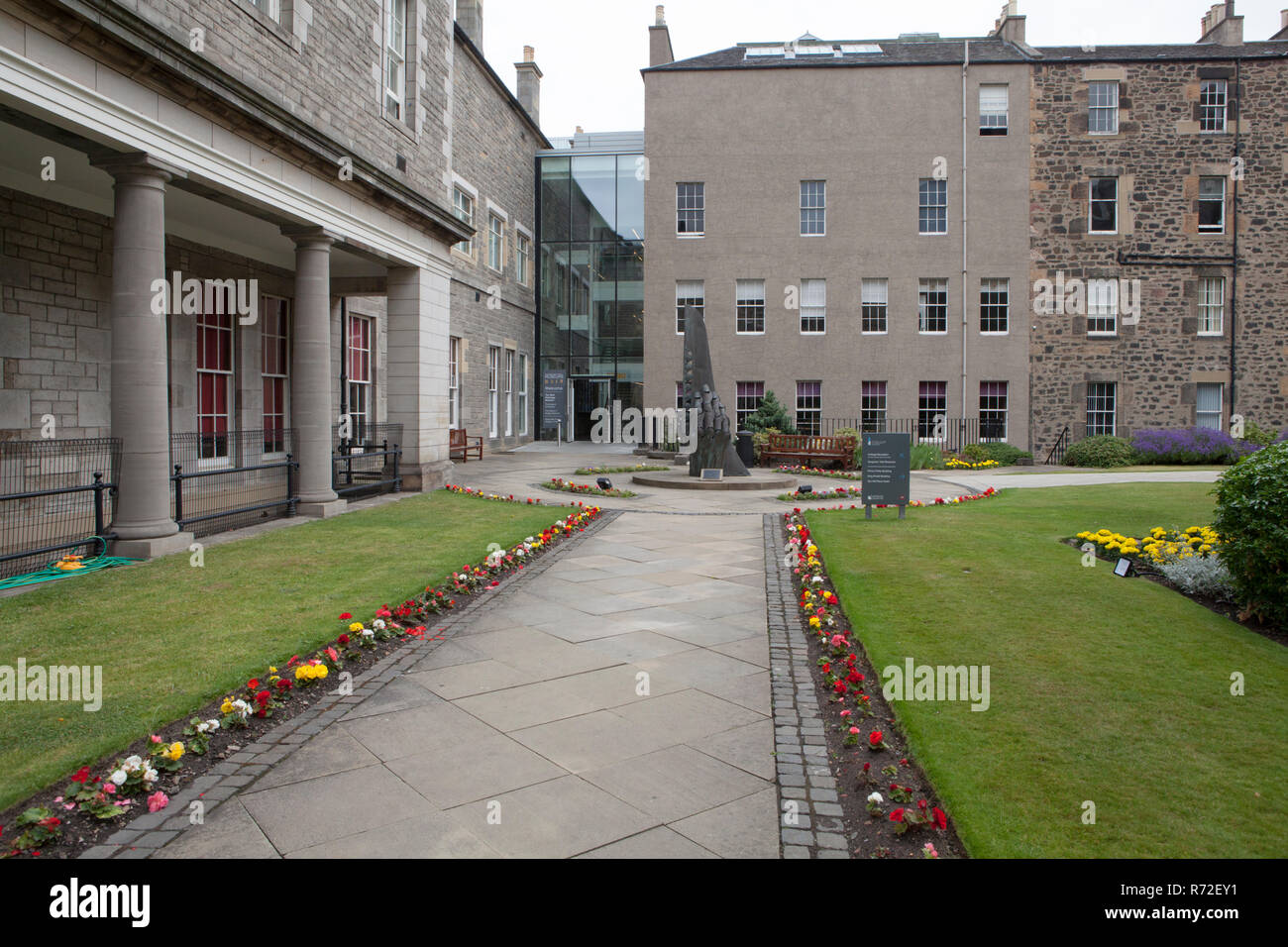 Courtyard of Surgeons' Hall Museums in Edinburgh which consists of the Wohl Pathology Museum, the History of Surgery Museum and The Dental Collection - Stock Image