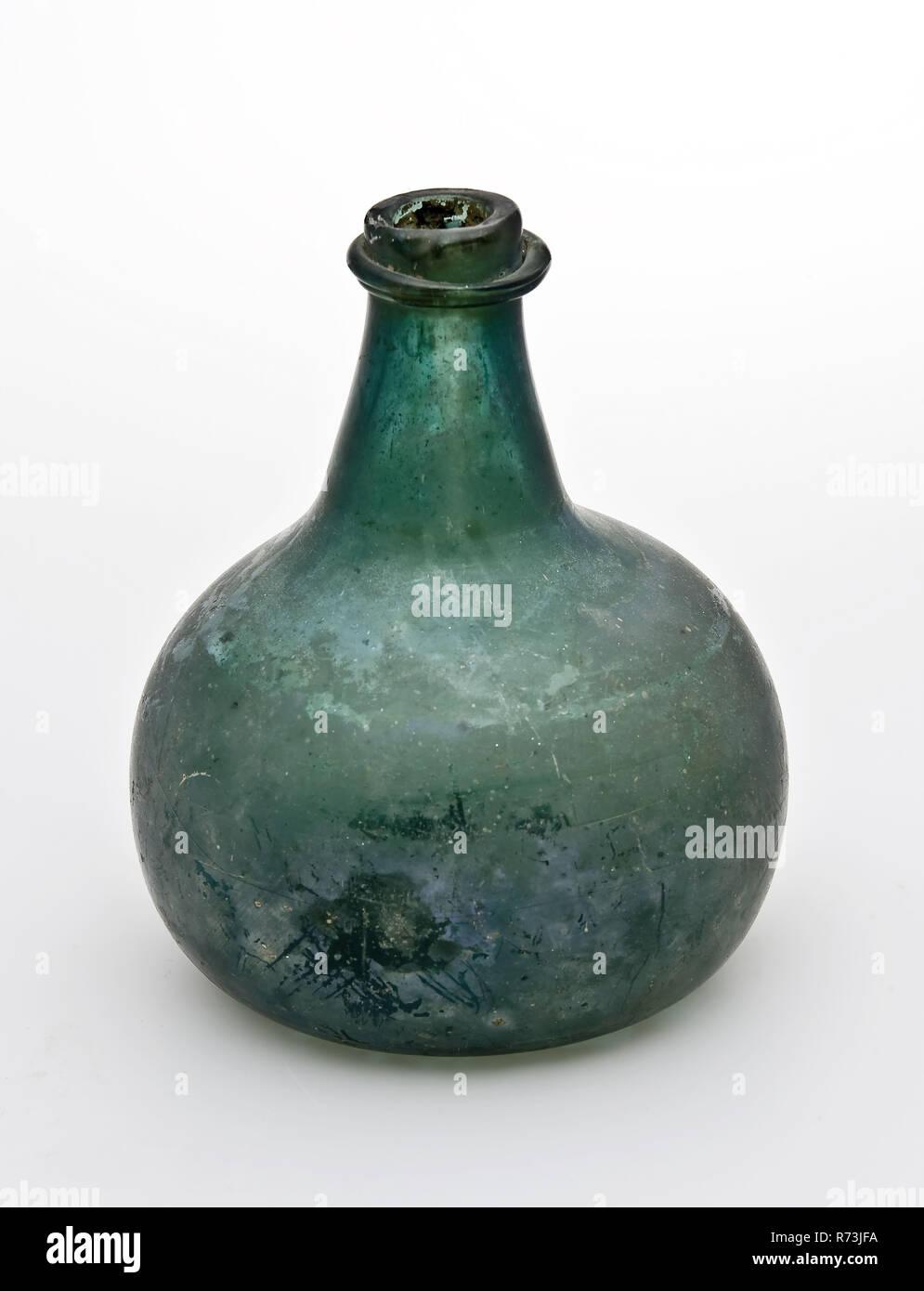 Tubby Small Bottle In Clear Moss Green Glass Bottle Bottle Wine