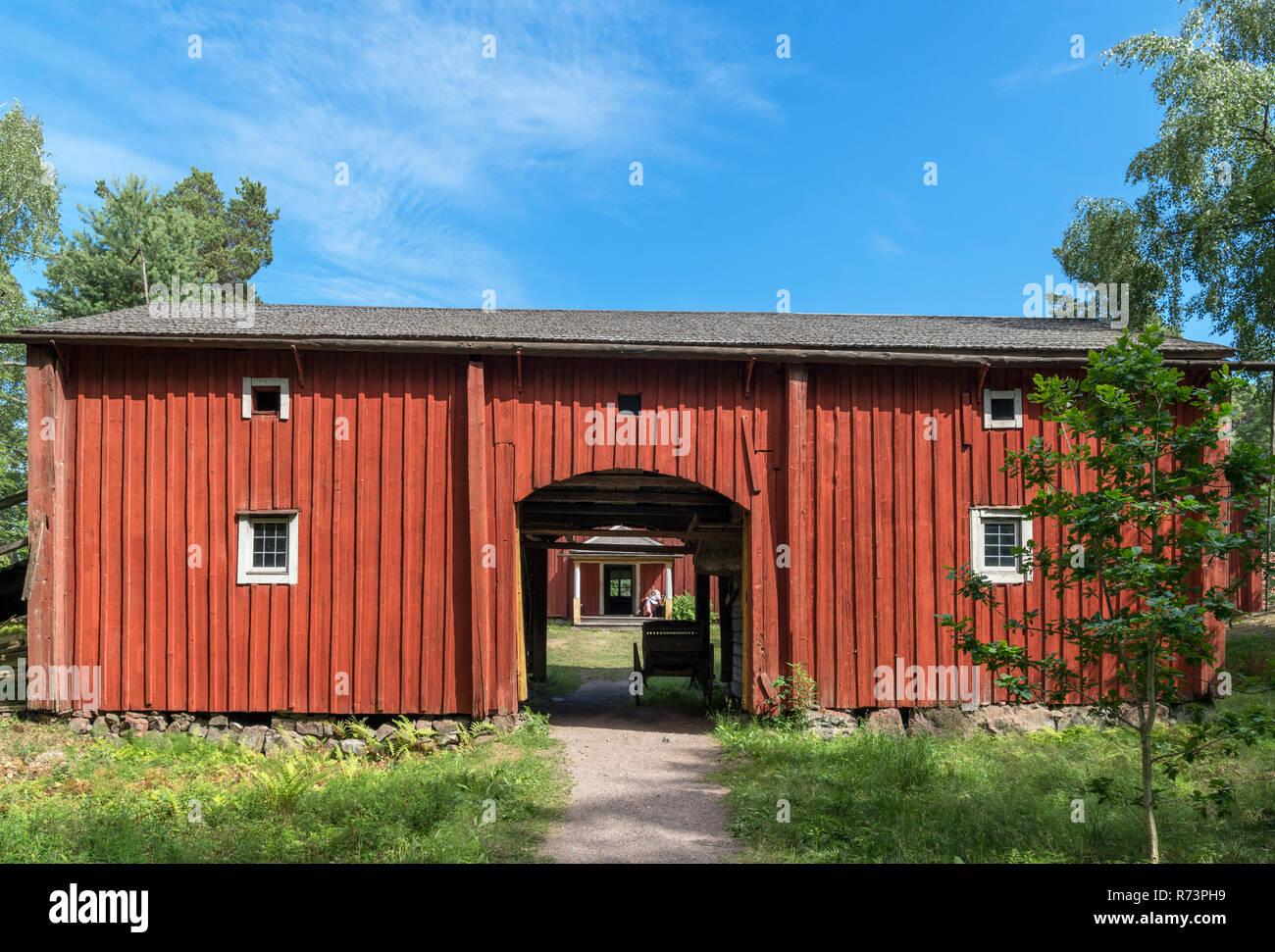 The 18th cenury Ivars Farmstead (from Närpiö, Ostrobothnia), Seurasaari Open-Air Museum, Seurasaari, Helsinki, Finland. - Stock Image