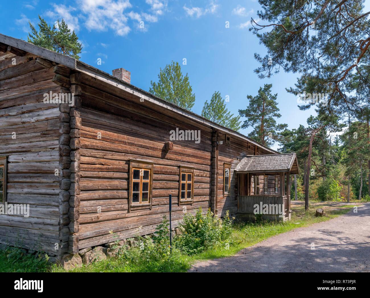 The early 19th century Selkämä house, (from Pieksämäki, Southern Savonia), Seurasaari Open-Air Museum, Seurasaari, Helsinki, Finland. - Stock Image