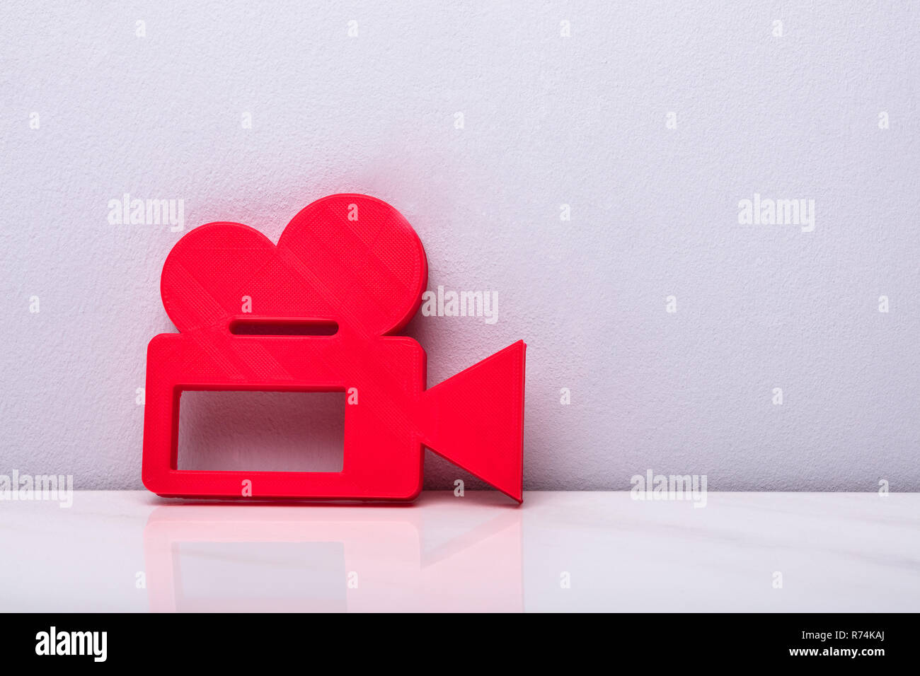 3d Red Video Camera Icon - Stock Image