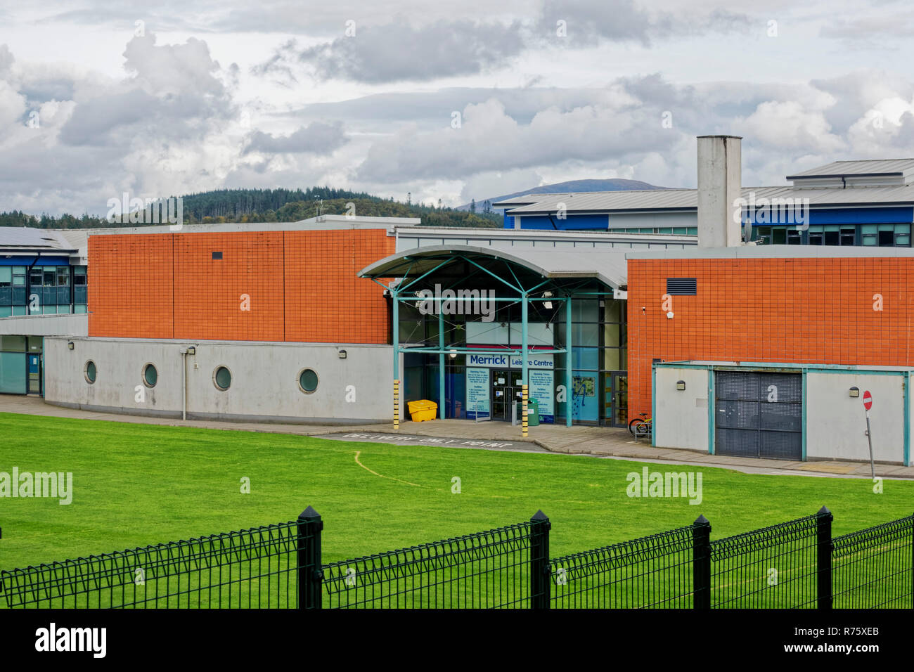 Leisure centre pool stock photos leisure centre pool - Swimming pools in dumfries and galloway ...