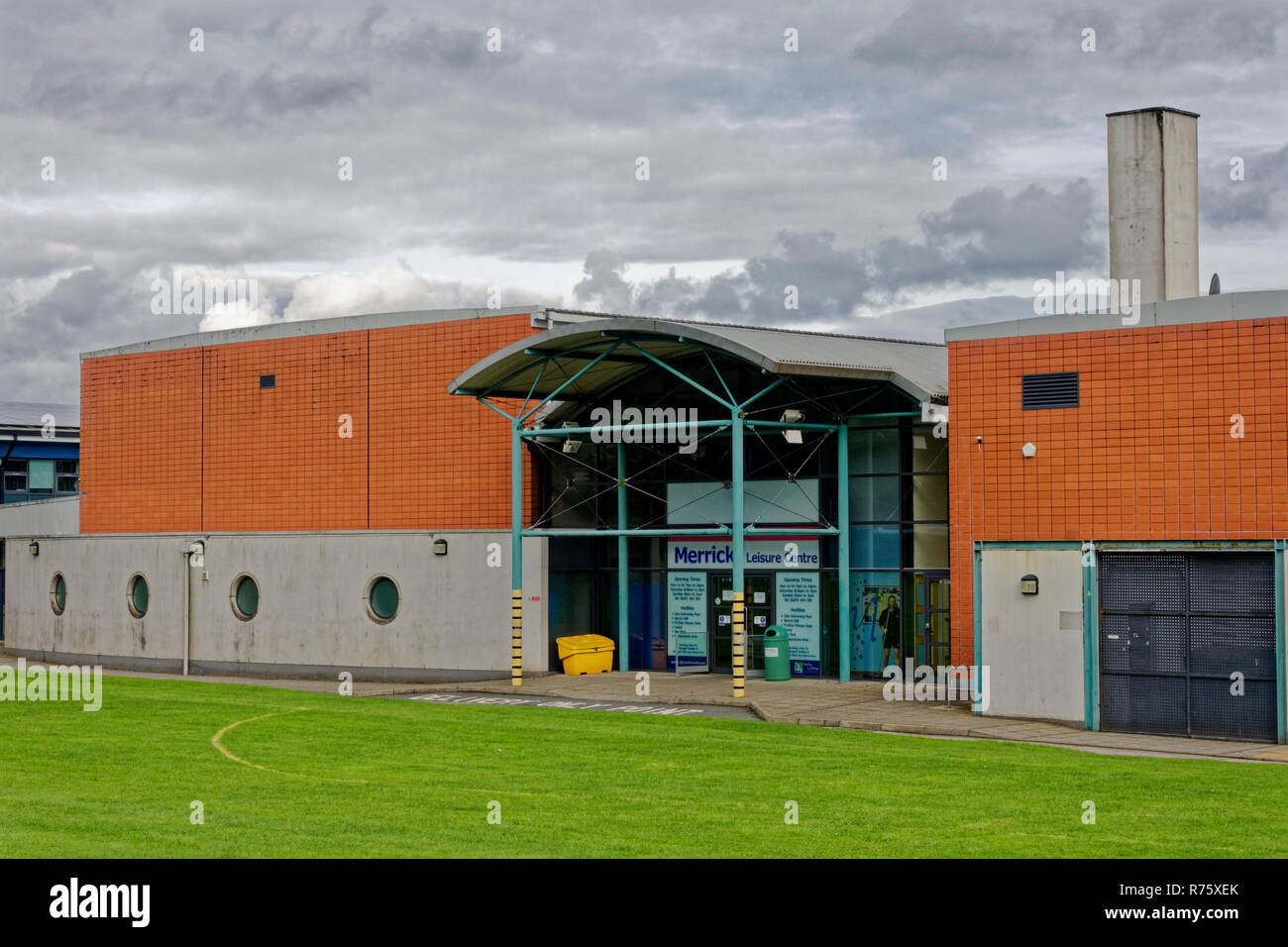 Leisure centre pool stock photos leisure centre pool - Dumfries hotels with swimming pool ...