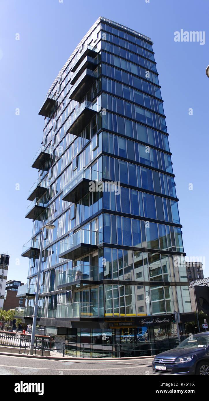Panorama: modernes Appartementhaus, Docklands, Dublin, Irland/ Ireland  (nur fuer redaktionelle Verwendung. Keine Werbung. Referenzdatenbank: http://w - Stock Image