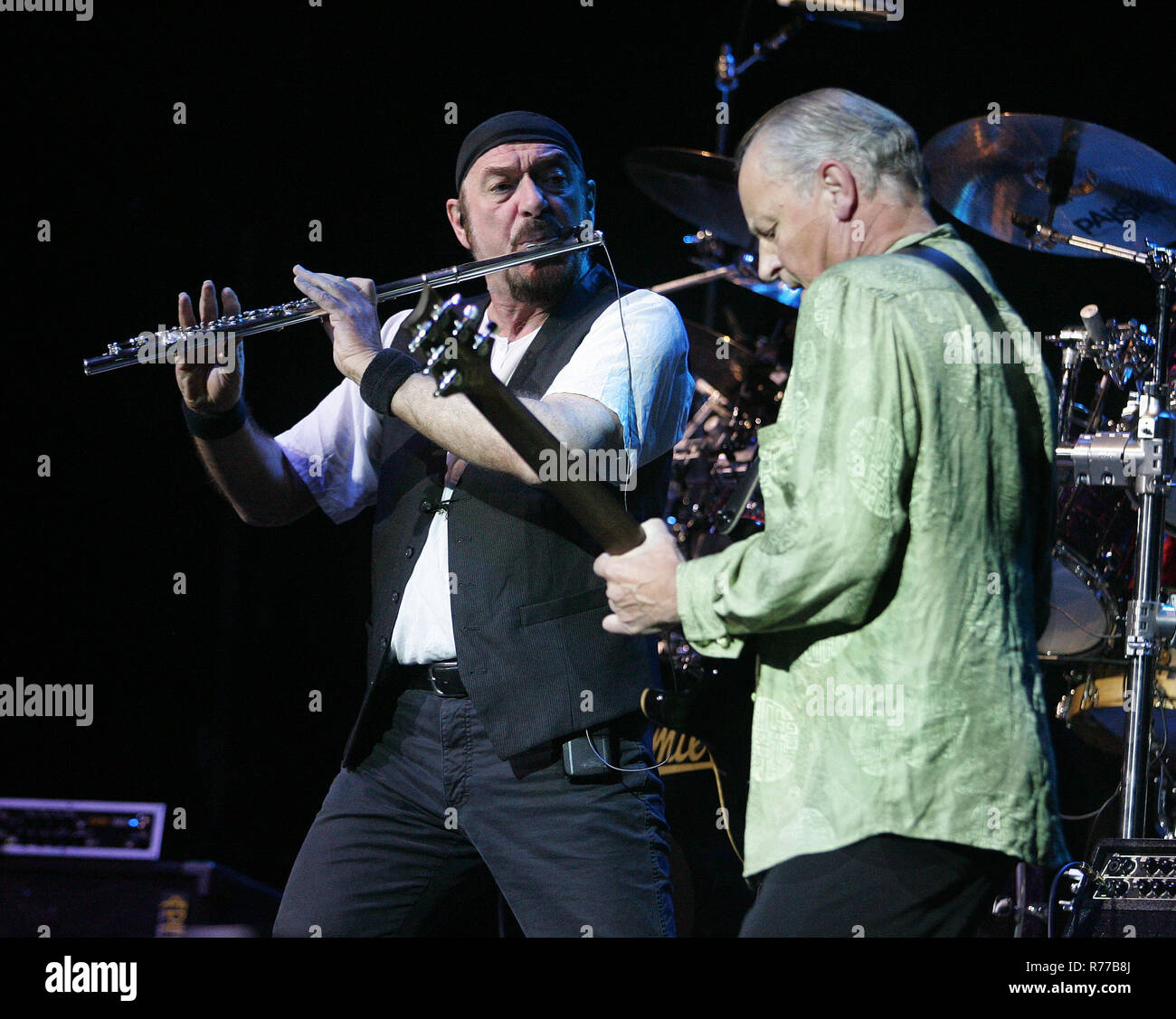 Ian Anderson (L) and Martin Barre with Jethro Tull perform in concert at the Seminole Hard Rock Hotel and Casino in Hollywood, Florida on December 13, 2007. - Stock Image