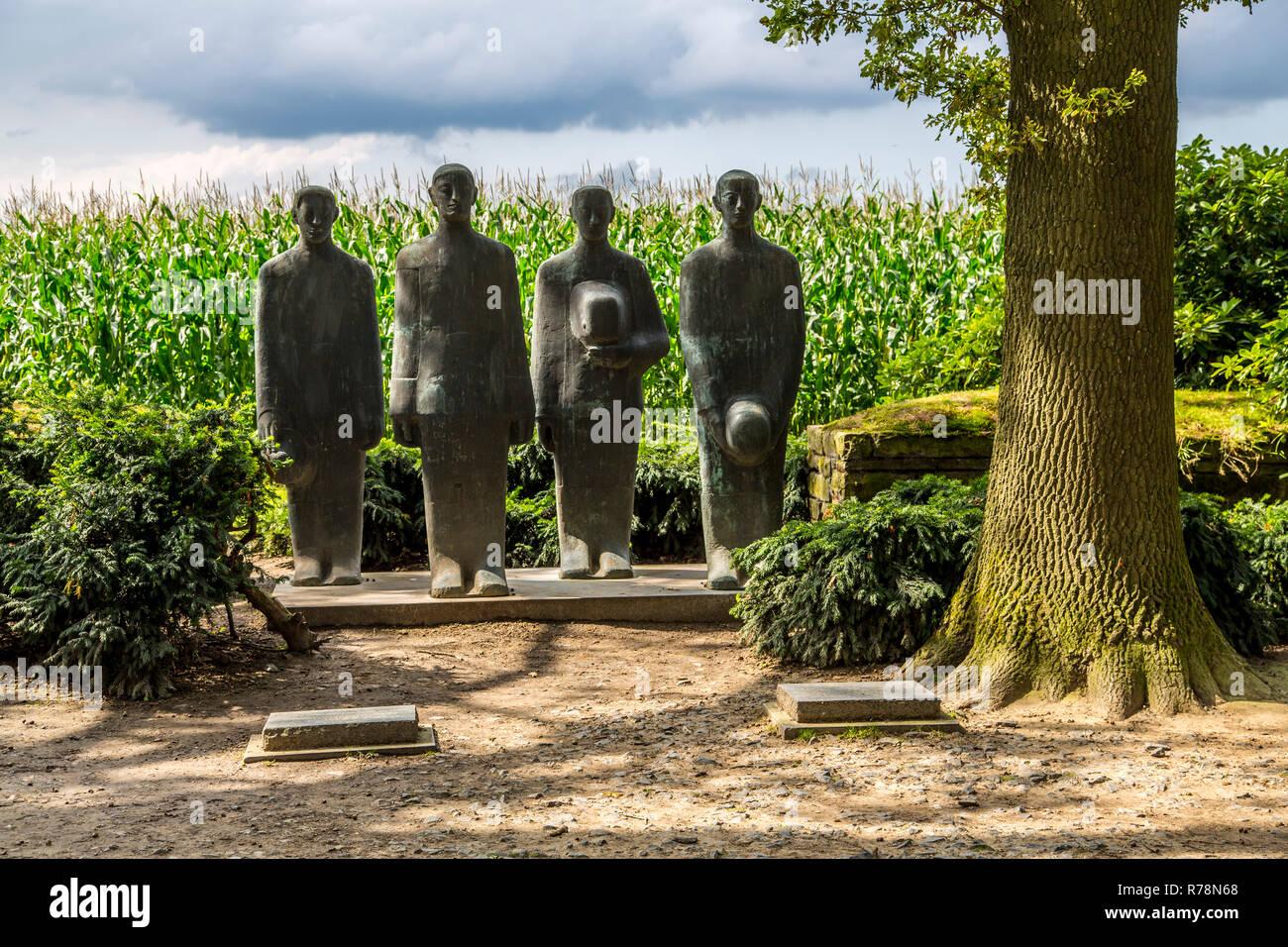 Langemark German war cemetery with monument 'Grieving Soldiers' by Emil Krieger, Langemark, West Flanders, Flanders, Belgium - Stock Image