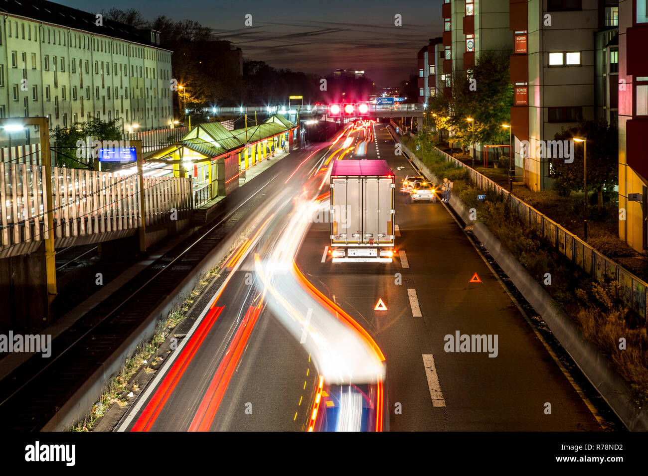 Collision on the A40, Ruhrschnellweg, truck blocking the center lane, city limits, Essen, North Rhine-Westphalia, Germany Stock Photo