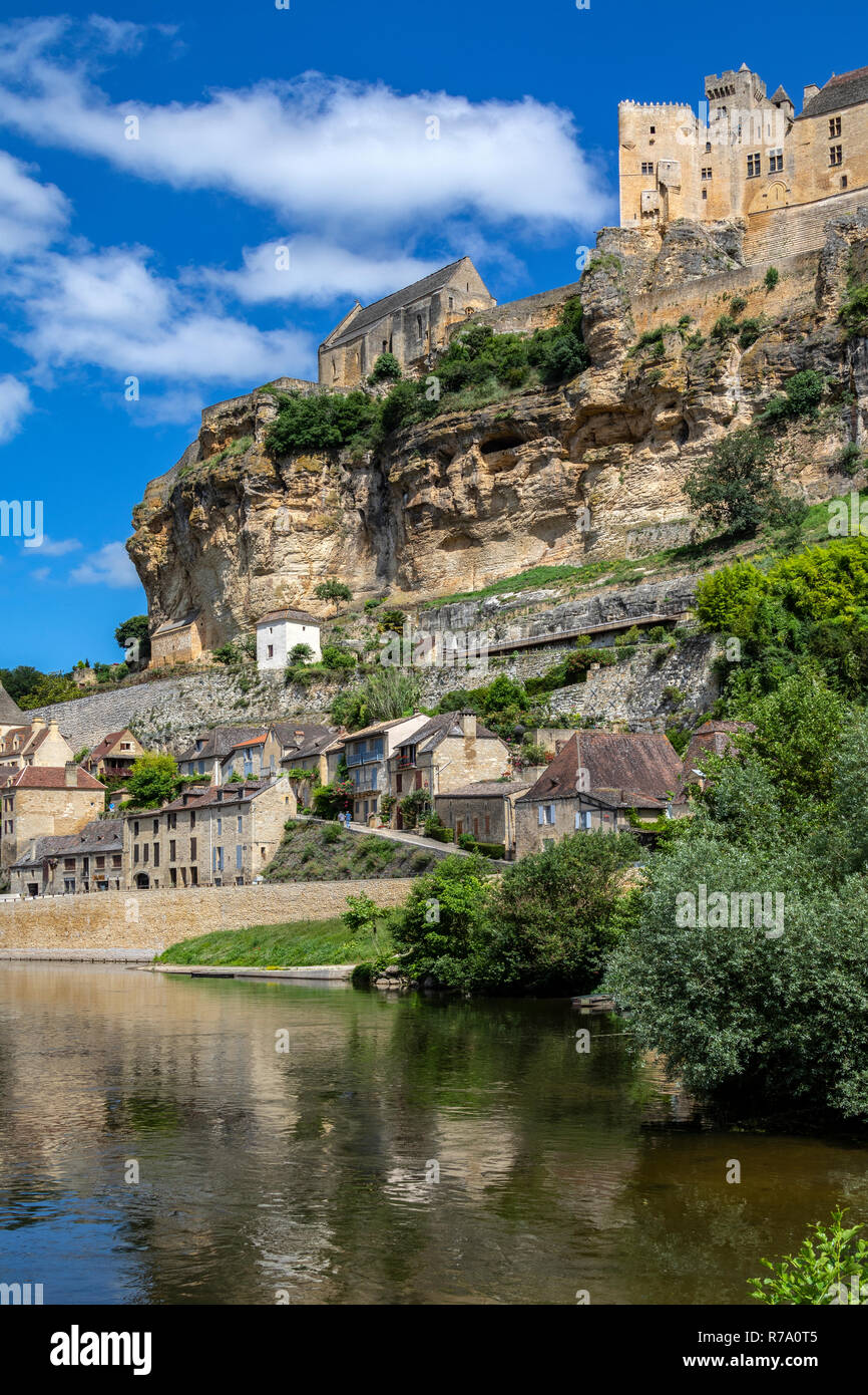 The village and chateau of Beynac-et-Cazenac on the Dodogne River in the Dordogne region of France. Stock Photo