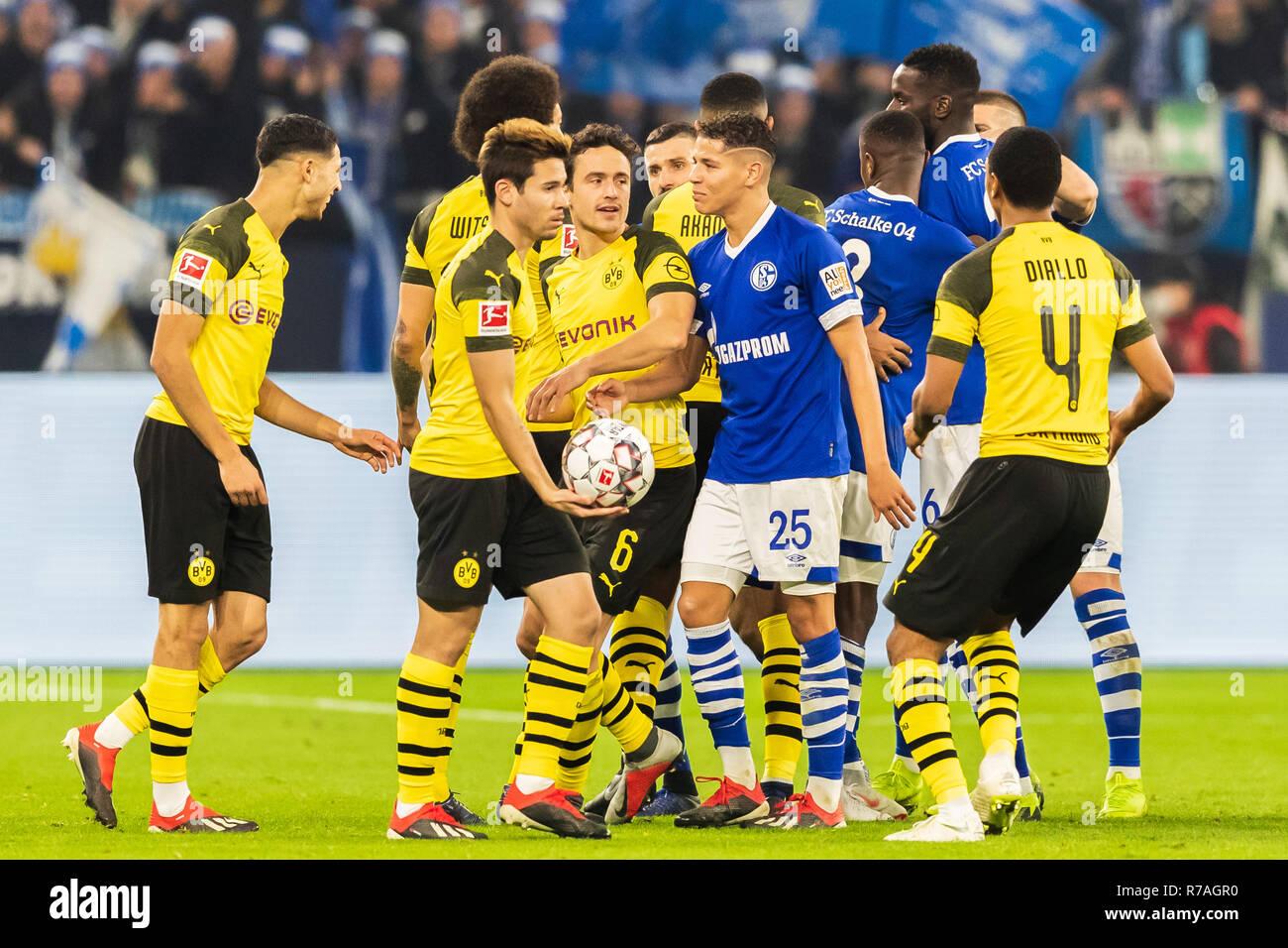 Gelsenkirchen, Germany 08 december 2018 Soccer Bundesliga: Schalke 04 v  Borussia Dortmund l+r fighting in Ruhrpot Derby Stock Photo - Alamy