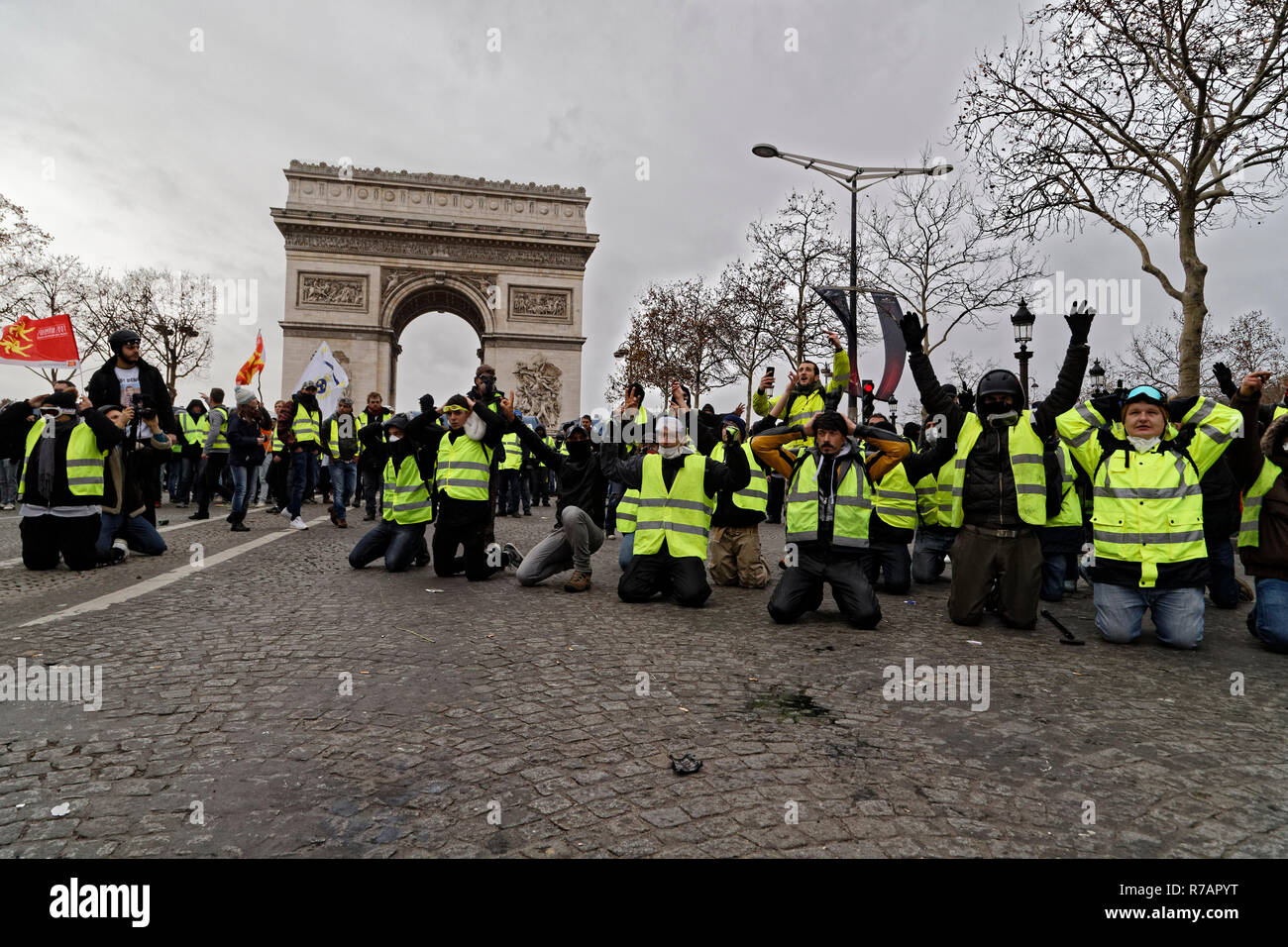 Paris, France. 8th Dec, 2018. The yellow vests invest the Champs-Élysées and clash with the riot police on December 8, 2018 in Paris, France. Credit: Bernard Menigault/Alamy Live News Stock Photo