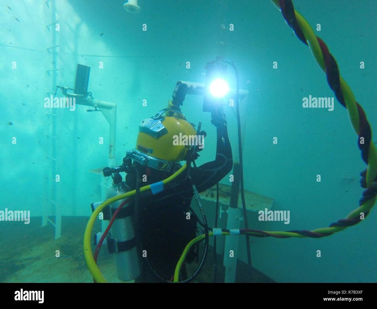 Underwater Welding Stock Photos & Underwater Welding Stock