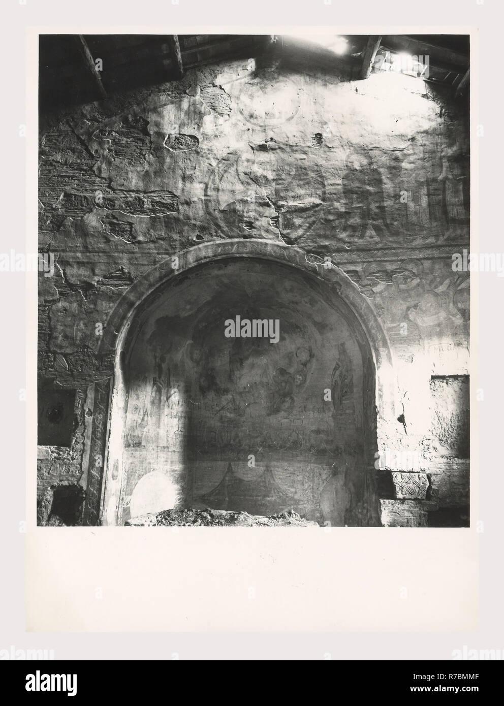 Showroom It Rignano Flaminio 12th century apse stock photos & 12th century apse stock