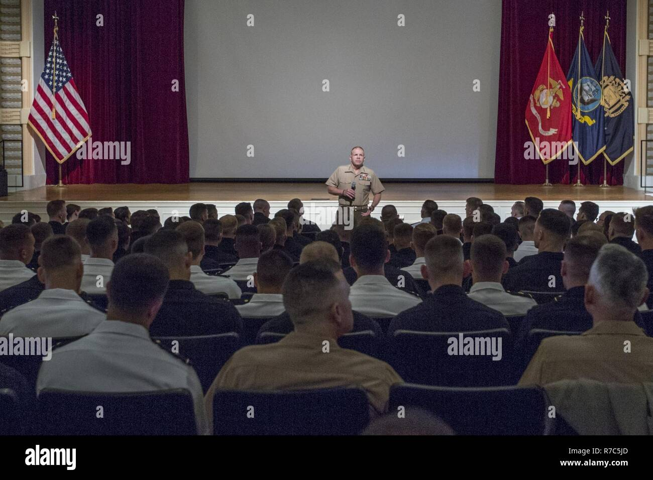 Commandant of the Marine Corps Gen. Robert B. Neller speaks to future Marine officers at the U.S. Naval Academy Stock Photo