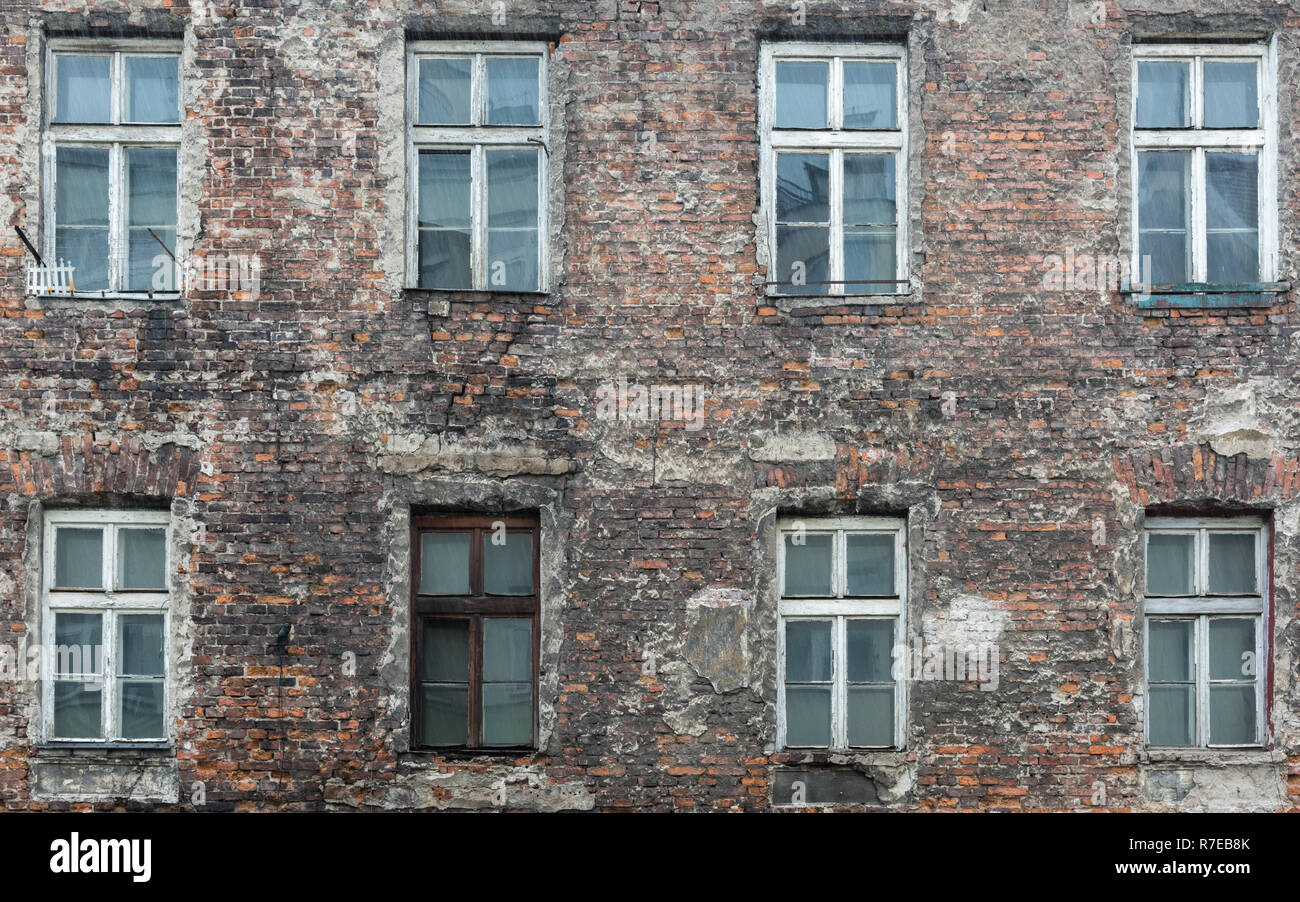 The brown box window in the run down house - Stock Image