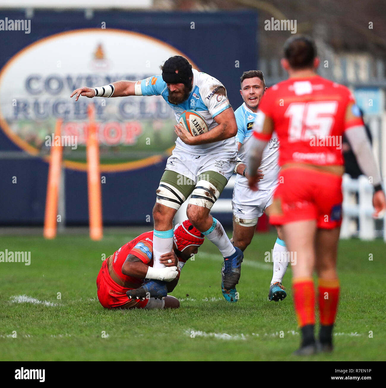 Coventry, UK. 8th December 2018.  Morgan Eames on the charge for Doncaster Knights during the Championship Cup match played between Coventry rfc and Doncaster Knights rfc at the Butts Park Arena, Coventry. Credit: Phil Hutchinson/Alamy Live News Stock Photo