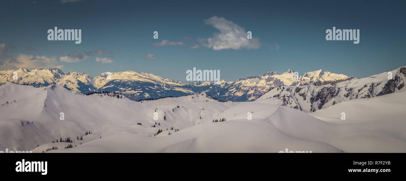 Beautiful snowy winter landscape - Stock Image