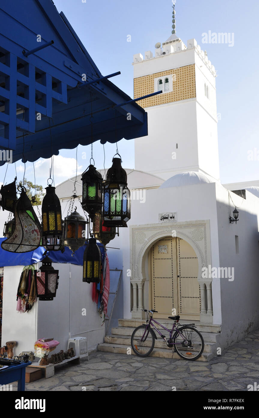 Tunesia: The mosque in the medina of Hammamet - Stock Image