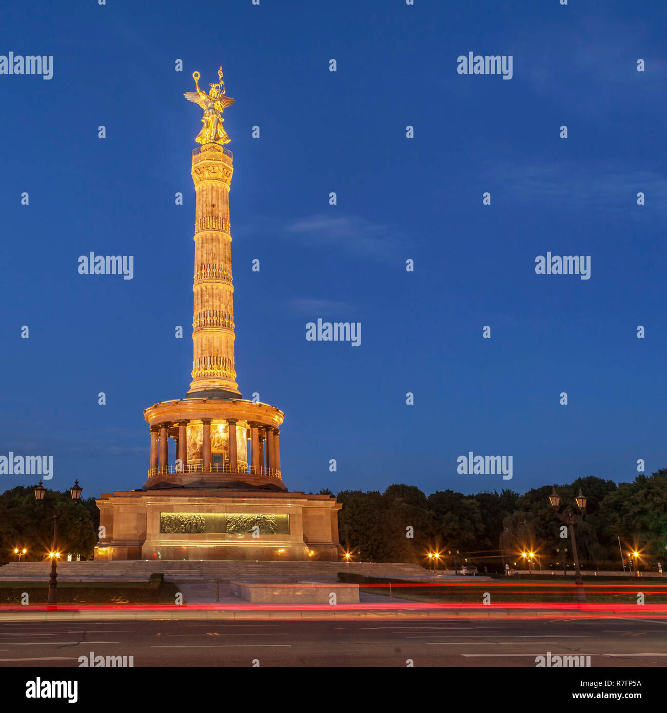 Victory Column ,Twilight, Tiergarten, Berlin | Siegessäule, Blaue Stunde, Tiergarten, Berlin - Stock Image