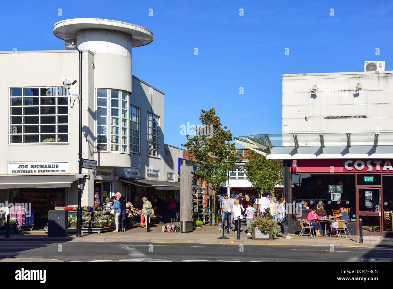 Entrance to Talisman Square, Kenilworth, Warwickshire, England, United Kingdom - Stock Image
