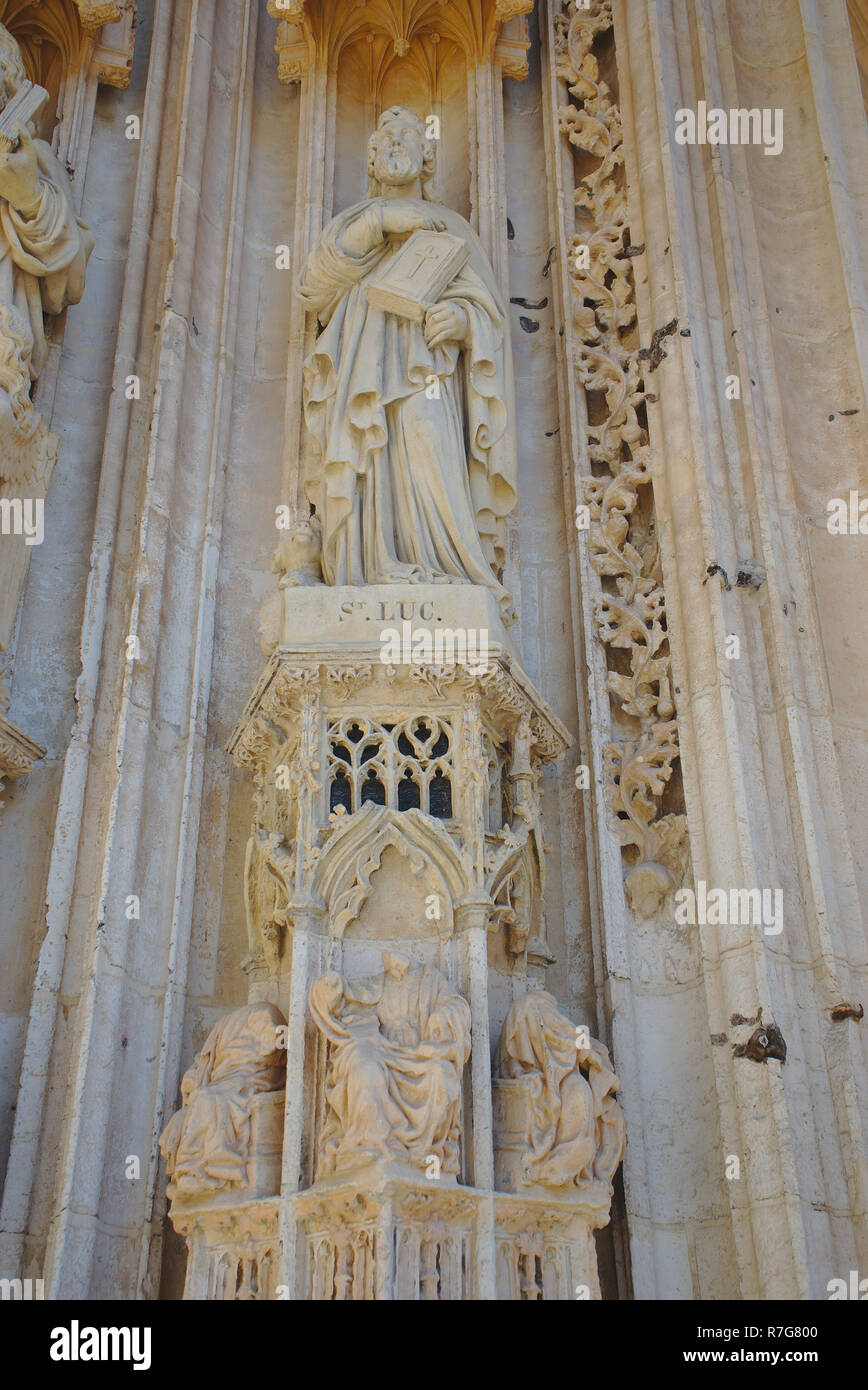details of the door of the church Saint-Maclou, in Rouen, Normandy. Saint-Luc Stock Photo
