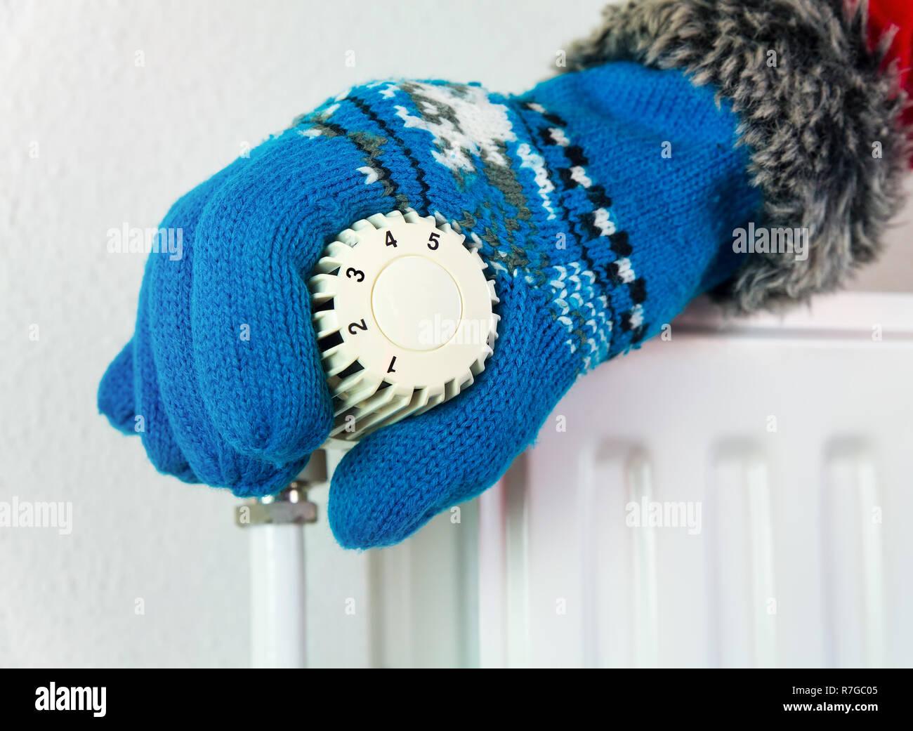 Hand Warmer Stock Photos Amp Hand Warmer Stock Images Alamy