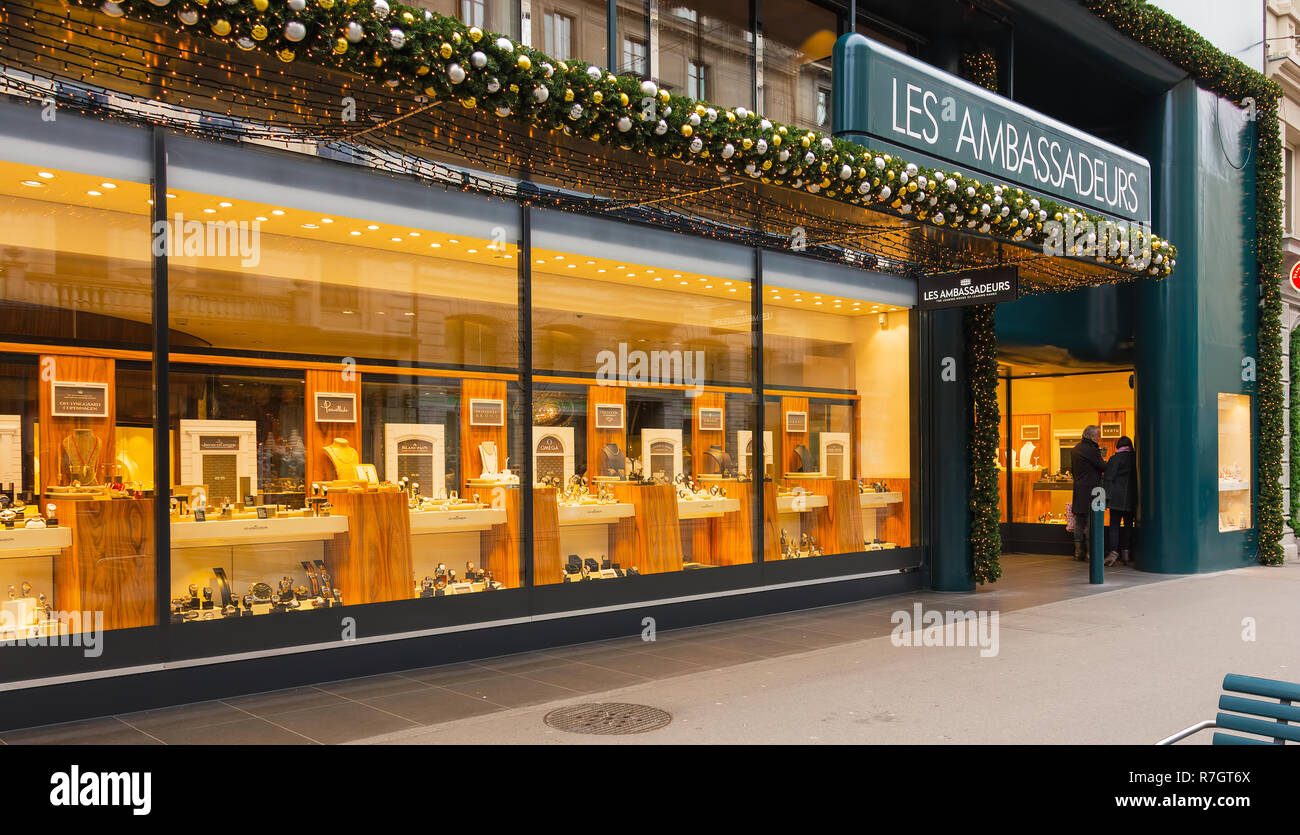 Windows of the Les Ambassadeurs store on Bahnhofstrasse street in the city of  Zurich, Switzerland - Stock Image