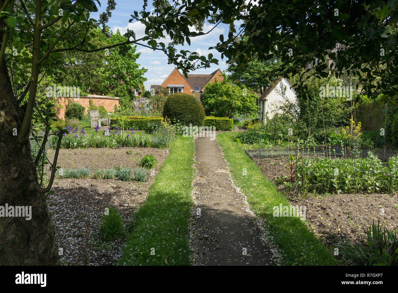 The Summer House Garden at the Cowper and Newton Museum, Olney, Buckinghamshire, UK; the poet William Cowper used the Summer House to write. - Stock Image