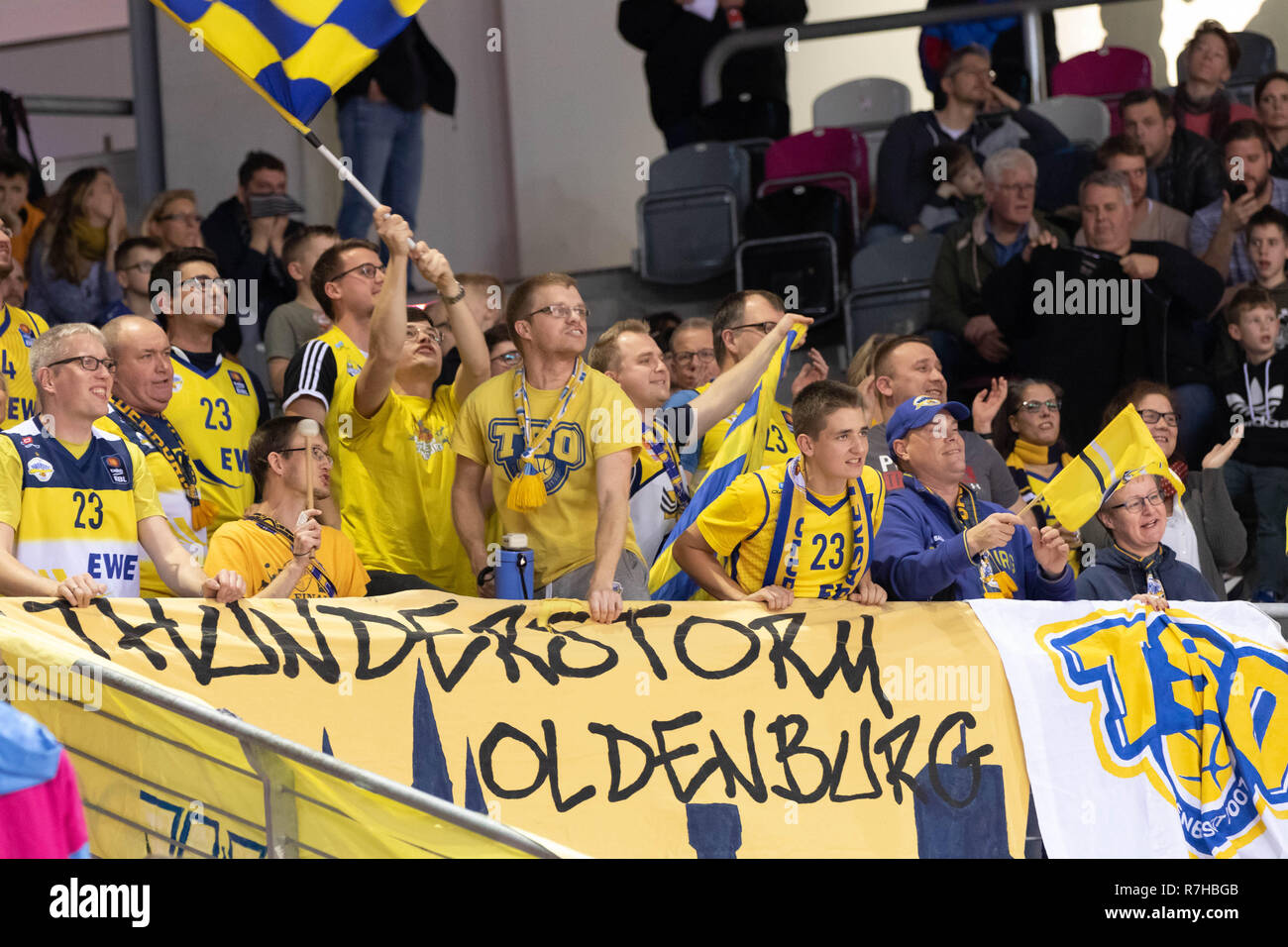 Bonn, Germany. 10th December 2018. Basketball, BBL, Telekom Baskets Bonn vs EWE Baskets Oldenburg: Fans (Oldenburg). Credit: Juergen Schwarz/Alamy Live News - Stock Image