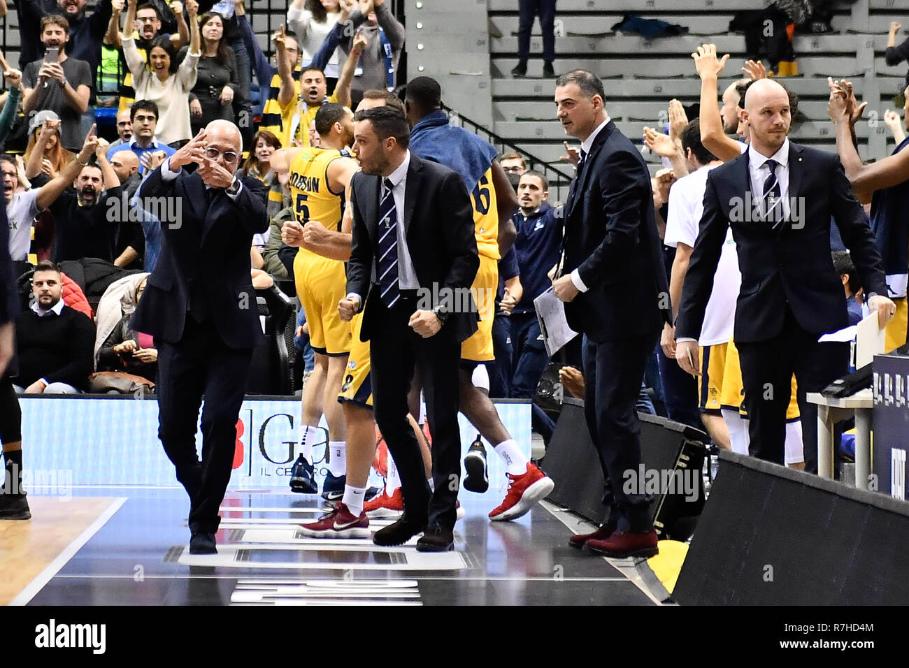Turin, Italy. 8th Dec 2018. Larry Brown, headcoach Auxilium Fiat Torino during the LEGA BASKET SERIE A 2018/19 basketball match between FIAT AUXILIUM TORINO vs DOLOMITI TRENTO at PalaVela on 8th Dicember, 2018 in Turin, Italy. Credit: FABIO PETROSINO/Alamy Live News - Stock Image