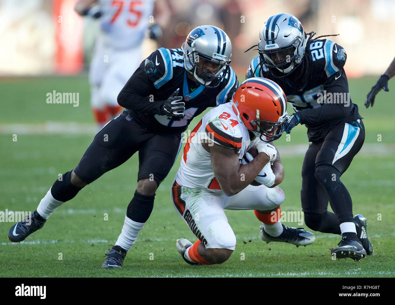 328faa01 Cleveland, Ohio, USA. 9th Dec, 2018. Cleveland Browns running back ...