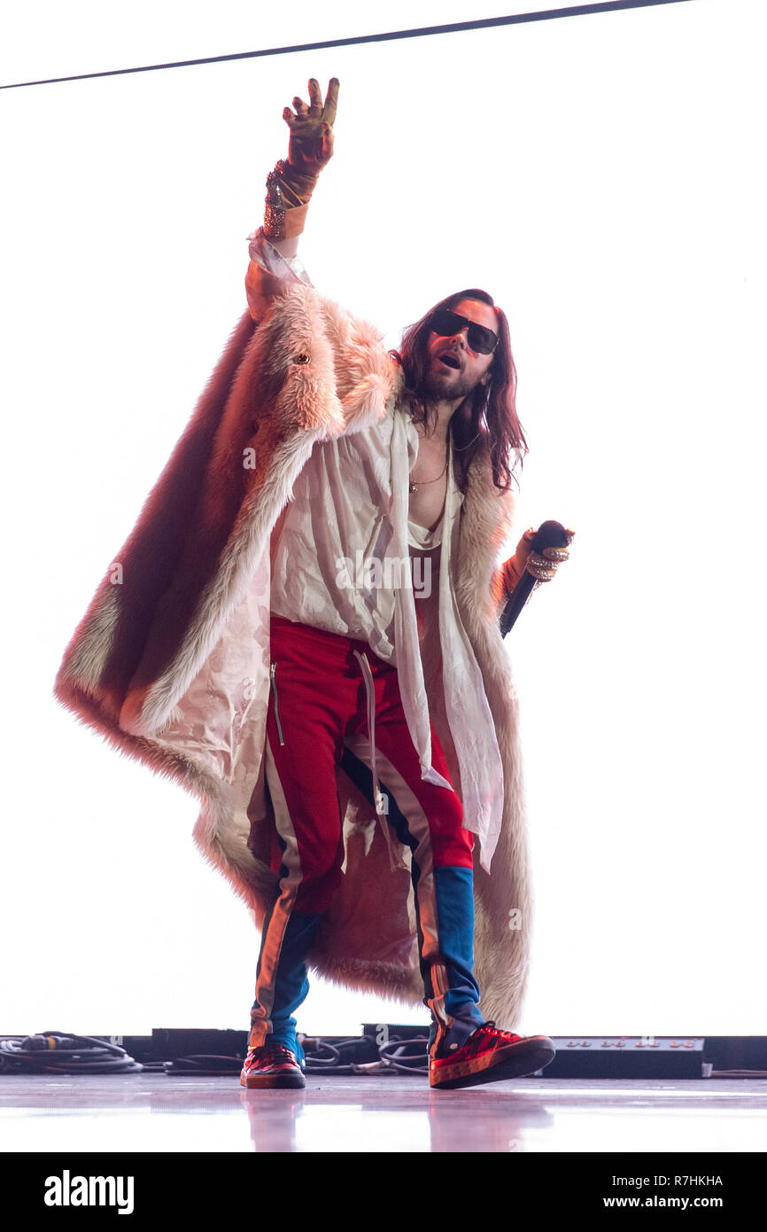 Inglewood, California, USA. 9th Dec, 2018. JARED LETO of Thirty Seconds to Mars during the KROQ Absolut Almost Acoustic Christmas Concert at The Forum in Inglewood, California Credit: Daniel DeSlover/ZUMA Wire/Alamy Live News - Stock Image