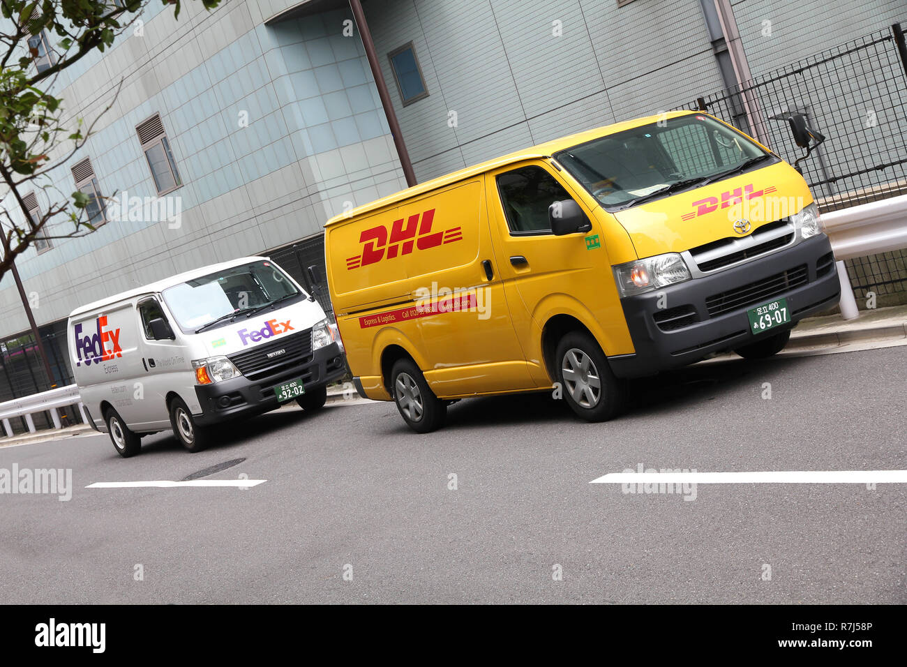 7249189d0de113 Dhl Vans Stock Photos   Dhl Vans Stock Images - Alamy