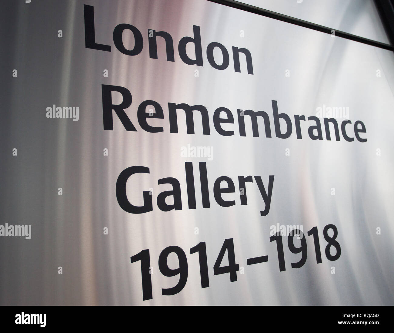 Sadiq Khan unveils the London Remembrance Gallery which contains stories of Londoners wartime memories as well as a permanent memorial.  Tony Arbour AM also delivers a speech on behalf of London Assembly Members.   The London Remembrance Gallery features a scarlet 'cloud' of 48,000 poppies, suspended from the ceiling; the art installation is presented in collaboration with the London Bridge branch of the Royal British Legion.  Featuring: Atmosphere, View Where: London, United Kingdom When: 09 Nov 2018 Credit: Wheatley/WENN - Stock Image