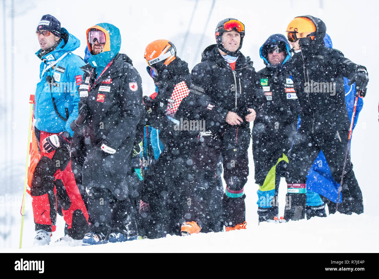 08 December 2018 Val d'Isère, France. Alpine Ski Racing Coach's Corner Audi FIS Alpine Ski World Cup 2019 Men's Giant Slalom Criterium Première Neige - Stock Image