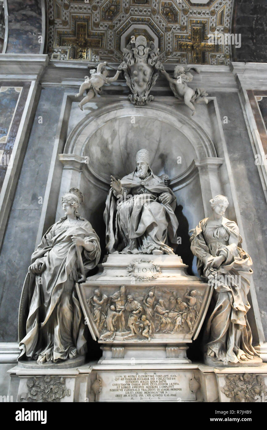 Tomb of Pope Innocent XI in Italian Renaissance Papale Basilica Maggiore di San Pietro in Vaticano (Papal Basilica of St. Peter in the Vatican) listed - Stock Image